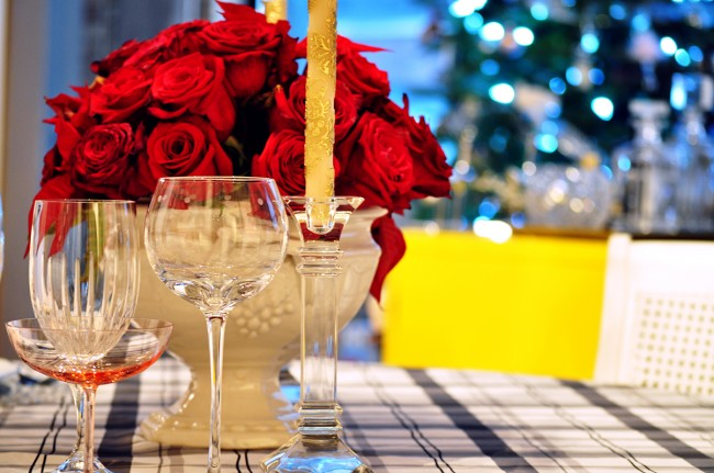 TNPLH: Holiday Arrangment Red Roses